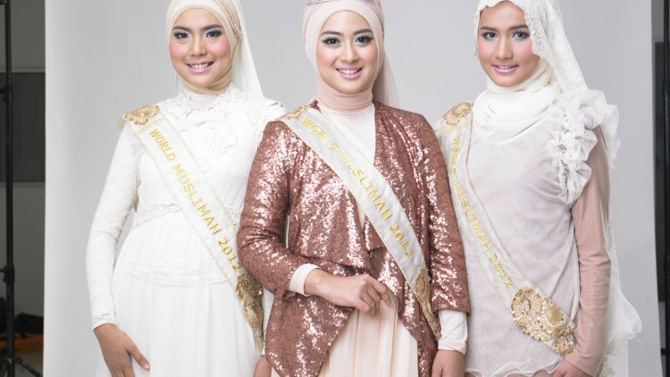 Who wants to be the Next World Muslimah 2013? Deadline Extended.