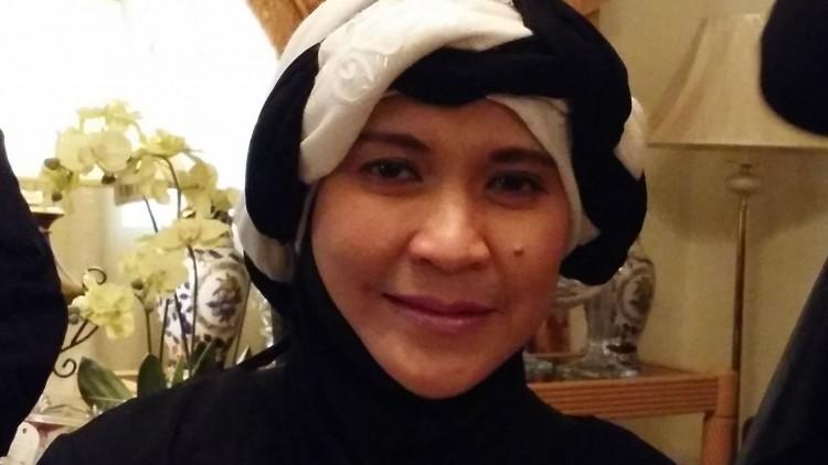 Style Your Hijab – Pashmina Black & White